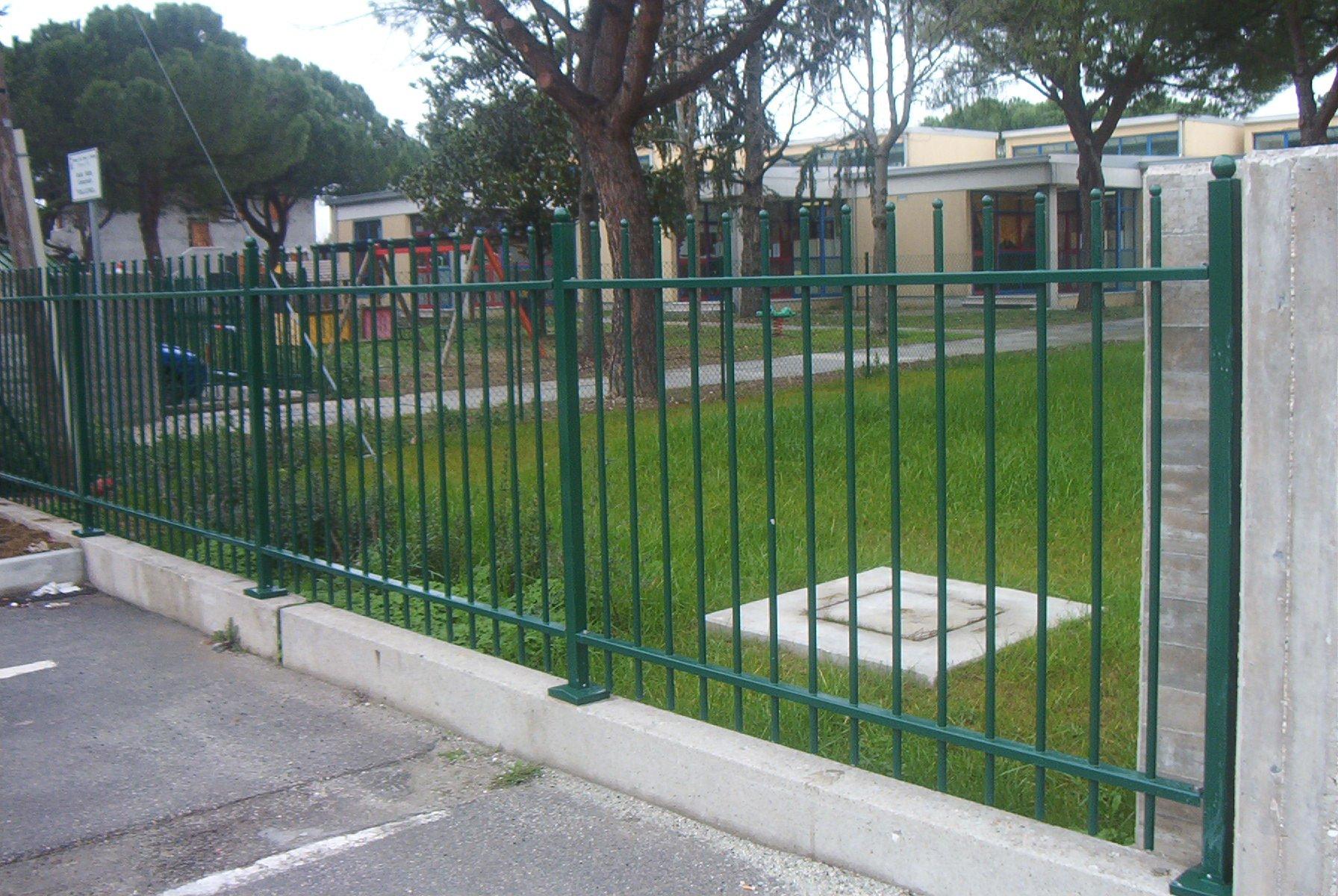 Recinzione Giardino In Ferro recinzioni case e terreni - alba recinzioni e recinti
